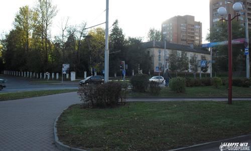 Пока на перекрестке с Социалистической улицей «малоэтажно».