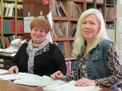 У архивариуса Марины Стаиной и заведующей техническим архивом Ольги Дьячок полный порядок и в документах, и на душе.