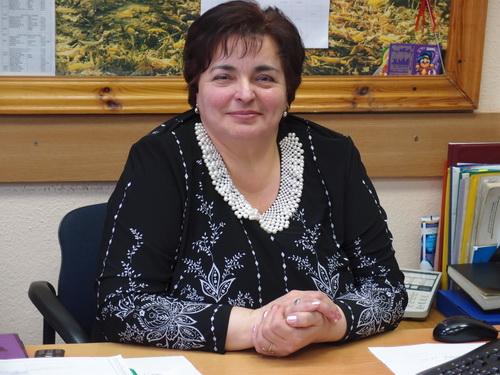 Начальник бюро Елена Иванова трудится в этом коллективе тридцать пятый год.