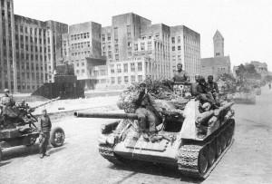 1944_07_minsk_dom_pravitelstva_su_85_hr
