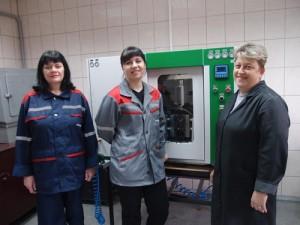 Лаборант Людмила Присяжнюк, инженер-технолог Марина Сулим и лаборант Елена Коханская.